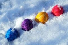 Ostereier suchen im Schnee