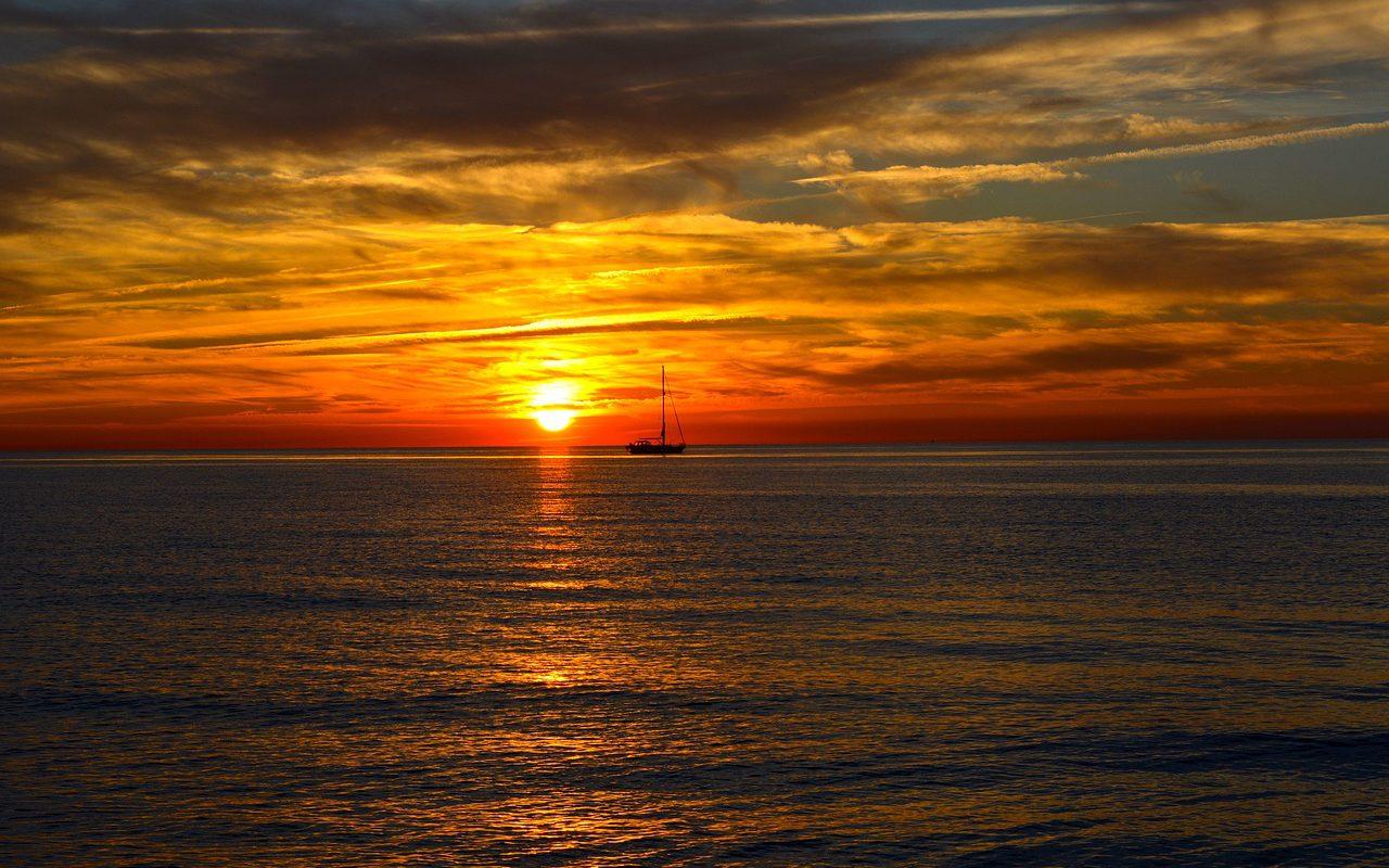 Ostseeküste bei Abenddämmerung