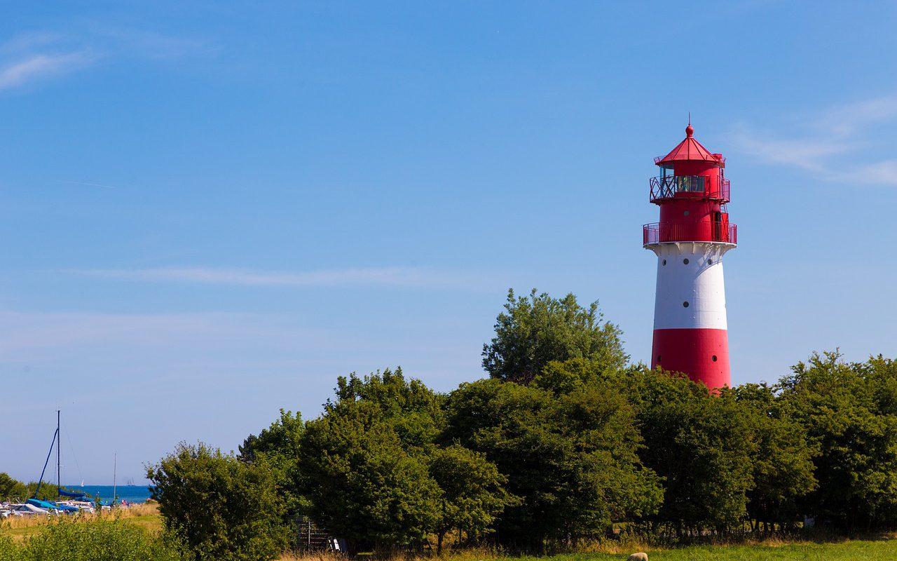 Leuchtturm an der Ostseeküste